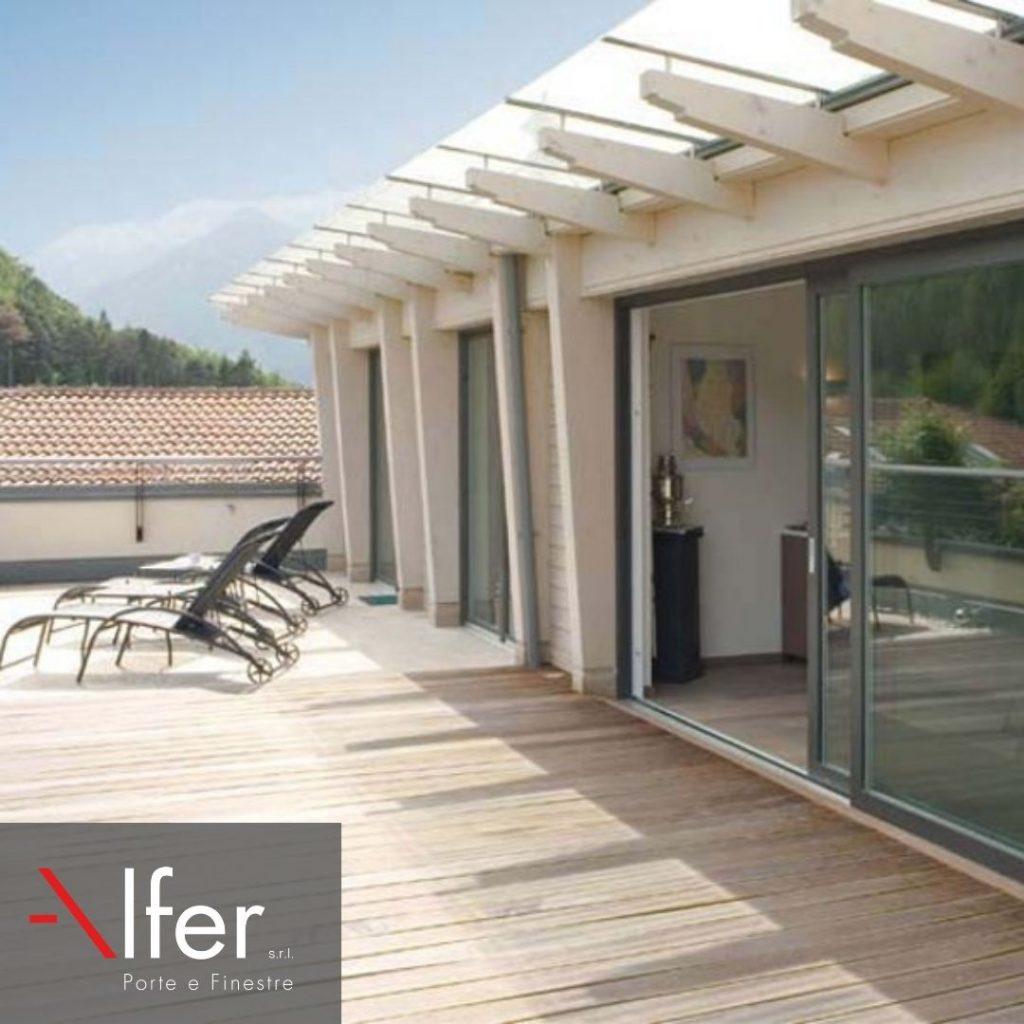 Infissi-alluminio-per-veranda-sul-mare-Alfer-infissi
